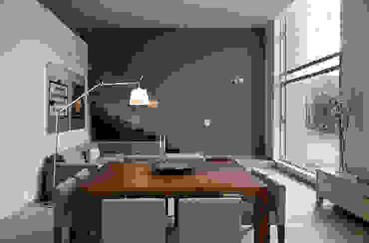 Scandinavian style dining room by Basch Arquitectos Scandinavian Wood Wood effect