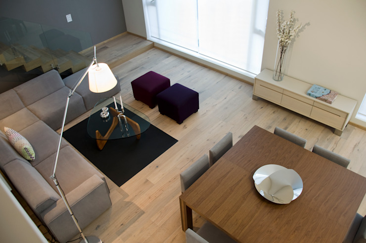 by Basch Arquitectos Scandinavian Solid Wood Multicolored