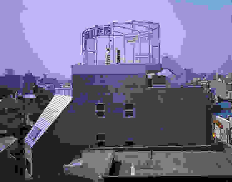 北側外観 モダンな 家 の Guen BERTHEAU-SUZUKI Co.,Ltd. モダン