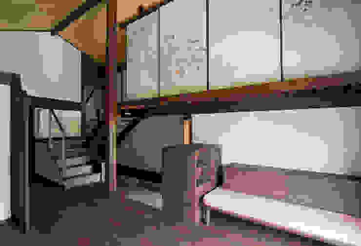 Salones de estilo  de 一級建築士事務所マチデザイン, Asiático Madera Acabado en madera