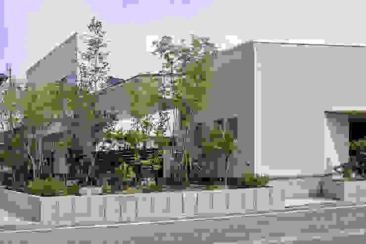 工場をリノベーションした住宅 モダンな 家 の 株式会社万有設計 モダン