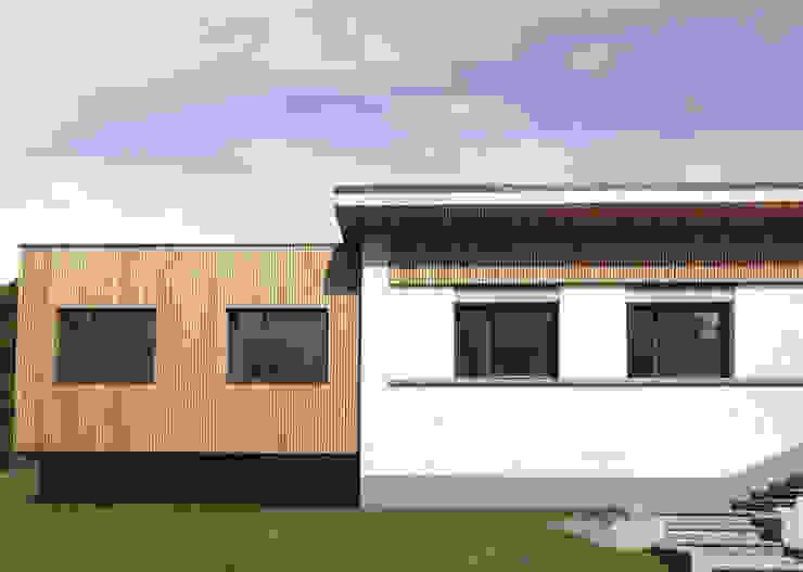 extension de la Maison Rouge Gorge Maisons modernes par DIID architectes Moderne