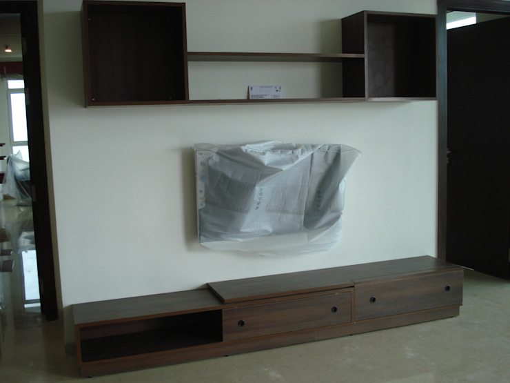 TV Wall Unit: minimalist  by Global Associiates,Minimalist