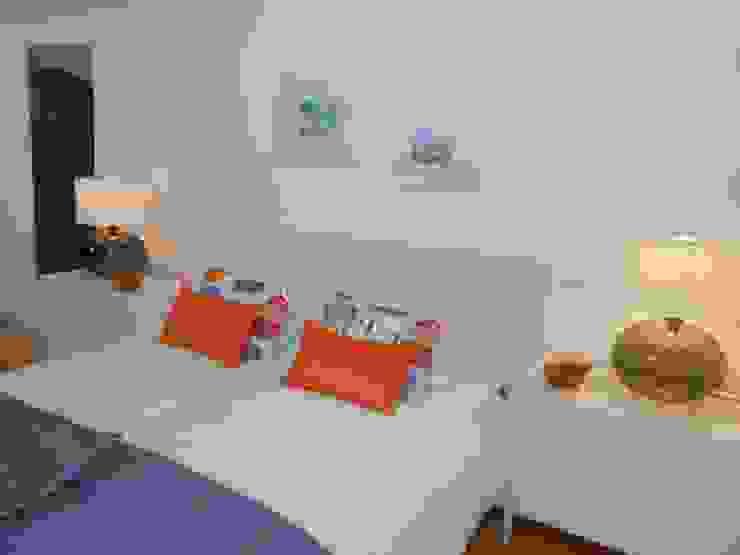 Suite Quartos modernos por Interiores com alma Moderno