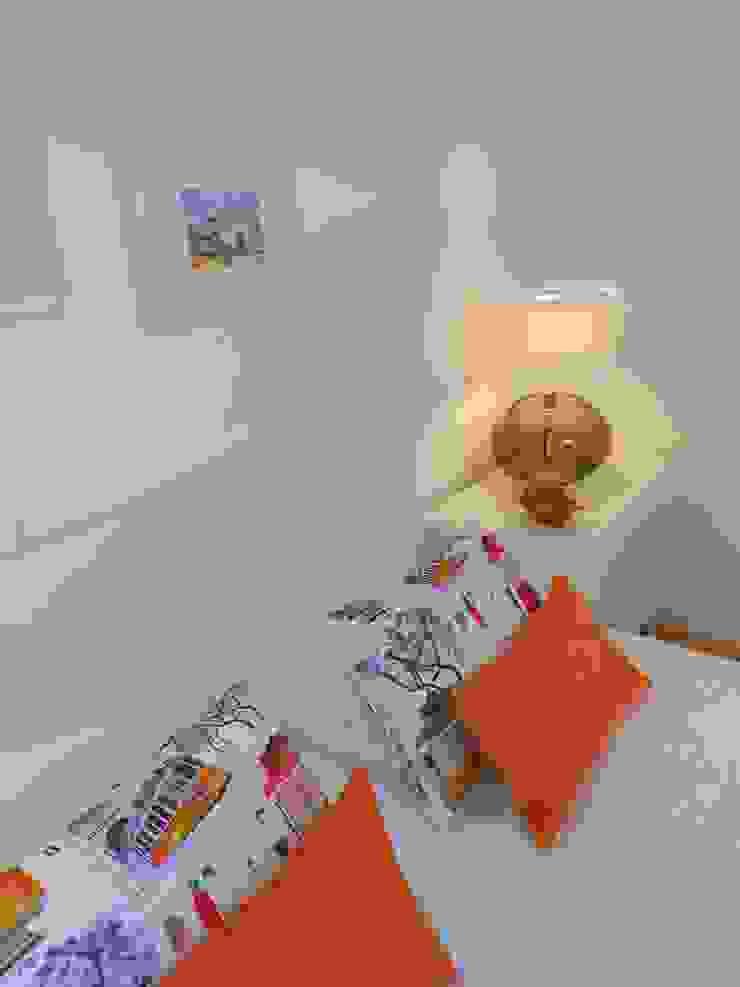 Pormenor das almofadas Quartos modernos por Interiores com alma Moderno