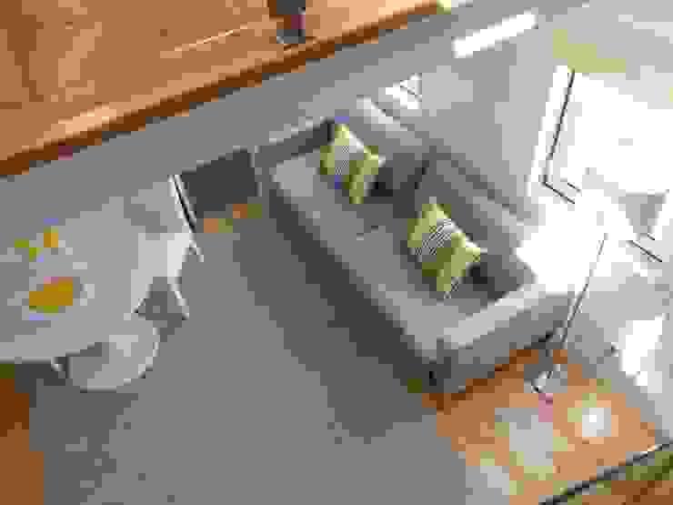 Apartamento em São Bento Salas de estar modernas por Interiores com alma Moderno