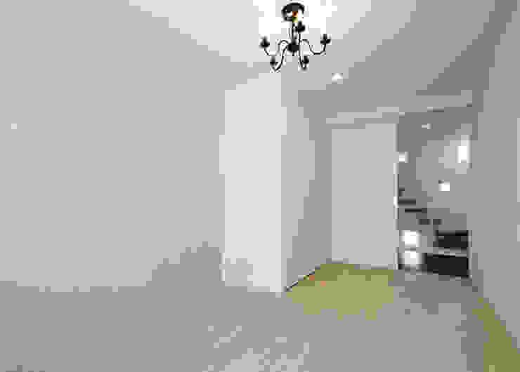 N house: 株式会社K&T一級建築士事務所が手掛けた現代のです。,モダン 無垢材 多色