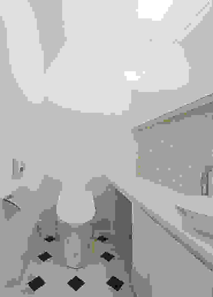 N house: 株式会社K&T一級建築士事務所が手掛けた現代のです。,モダン タイル