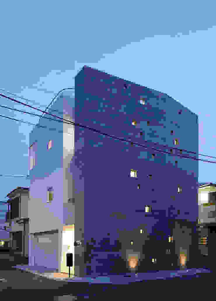 N house: 株式会社K&T一級建築士事務所が手掛けた現代のです。,モダン 石
