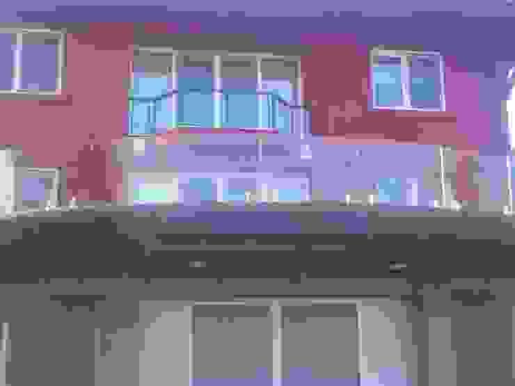 Beykoz Cenaplar Sitesi Villaları Modern Balkon, Veranda & Teras Doğdu Cam Ve Ayna San. Tic. Ltd. Şti Modern Cam