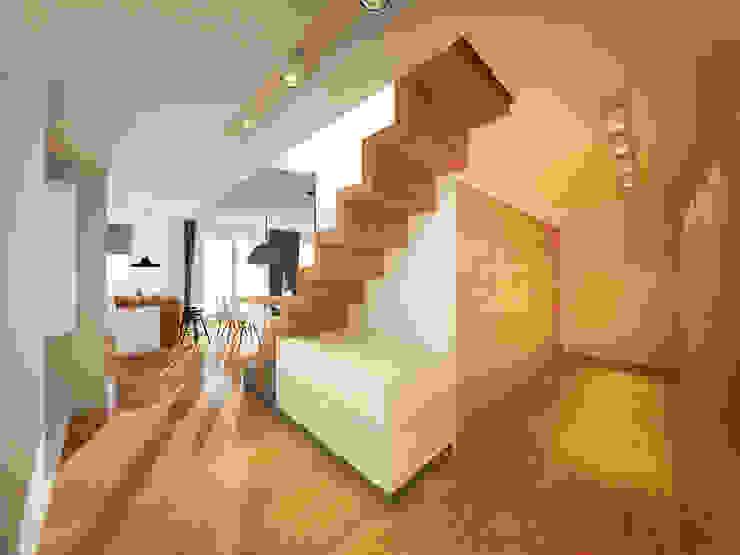 現代風玄關、走廊與階梯 根據 motifo 現代風