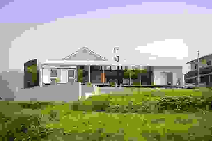 郷風-Satoburi- モダンな 家 の 松永鉄快建築事務所 モダン 無垢材 多色