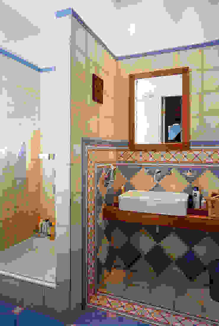 Grafick sp. z o. o. Baños de estilo clásico Cerámica Multicolor
