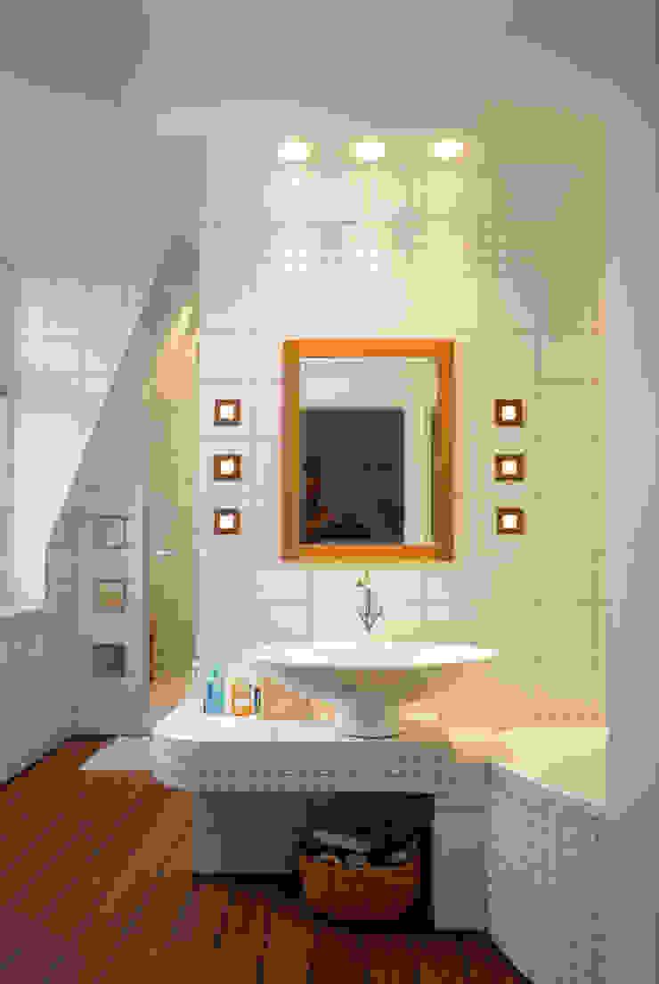 Grafick sp. z o. o. Baños de estilo clásico Cerámica Blanco