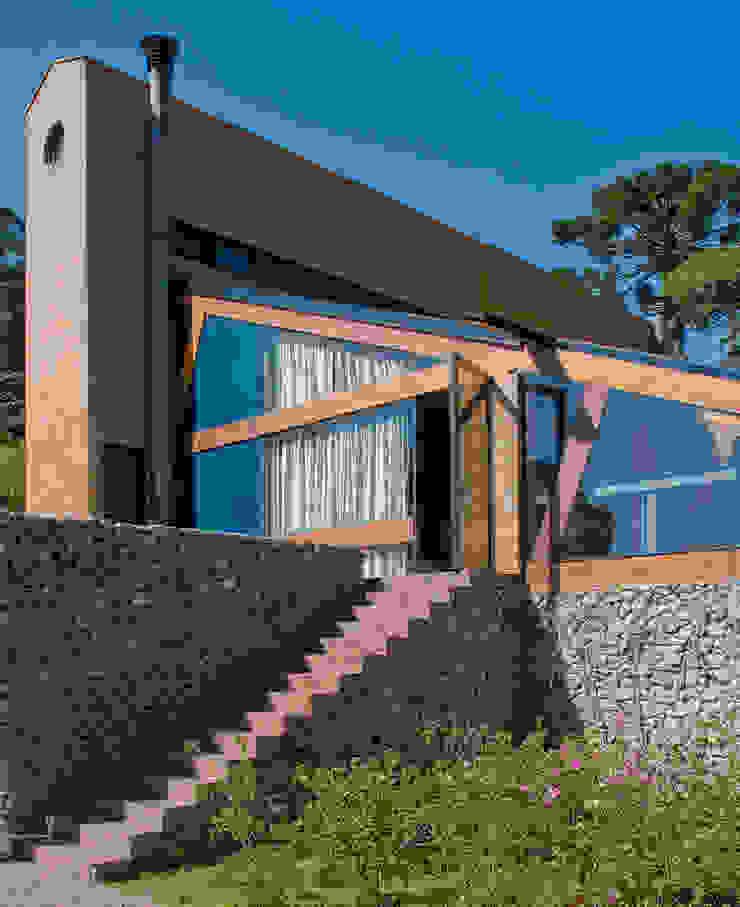 Vista do Deck para a Casa Casas modernas por Carlos Bratke Arquiteto Moderno