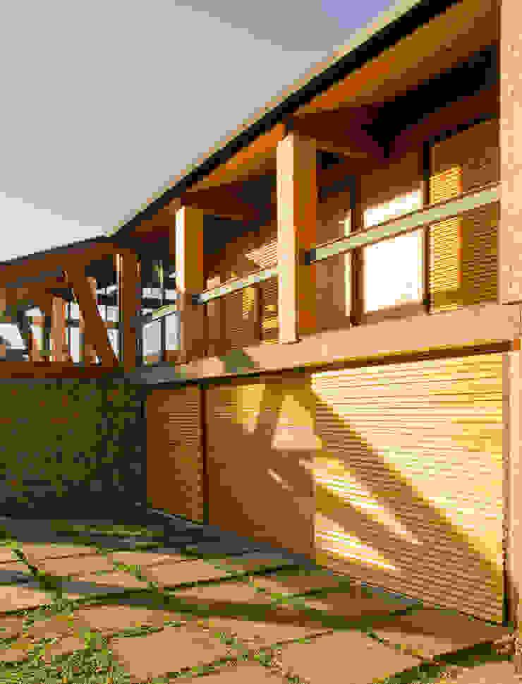 Detalhe da Varanda dos Quartos Casas modernas por Carlos Bratke Arquiteto Moderno