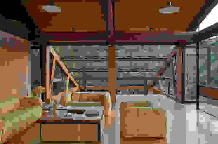 Sala de Estar: Salas de estar  por Carlos Bratke Arquiteto ,
