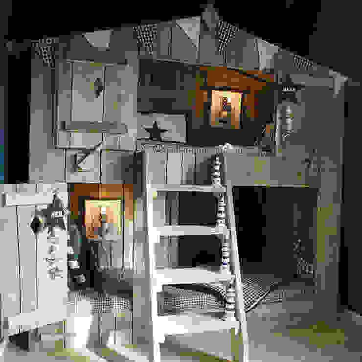 غرفة الاطفال تنفيذ Çelebi Ahşap & İç Dekorasyon ve Tasarım, حداثي