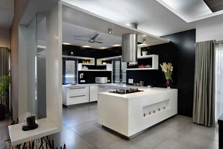 Swaragya Harshad nimbalkar residence Modern kitchen by Sunil Patil and Associates Modern