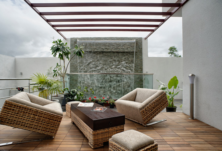 Kojagiri anil Dhawale Residence Modern garden by Sunil Patil and Associates Modern