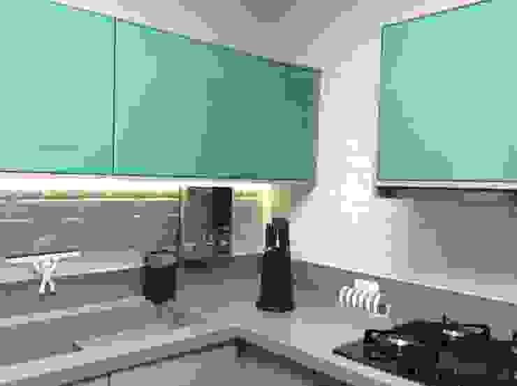 Reforma Apartamento Guarapari Cozinhas modernas por STUDIO 52 Moderno