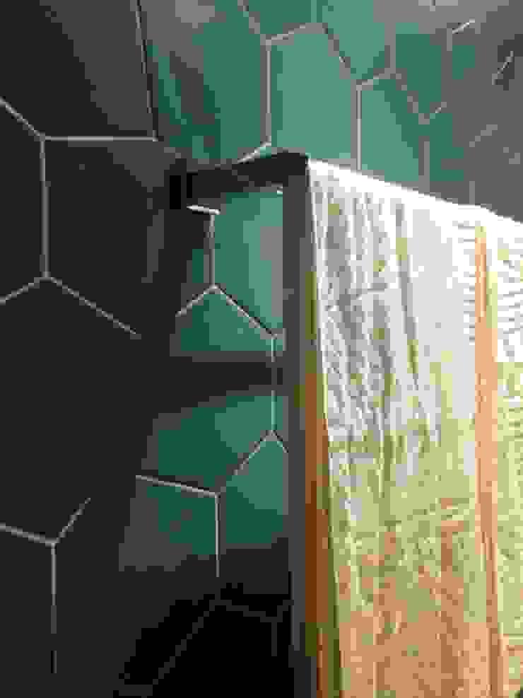 Reforma Apartamento Guarapari Banheiros modernos por STUDIO 52 Moderno