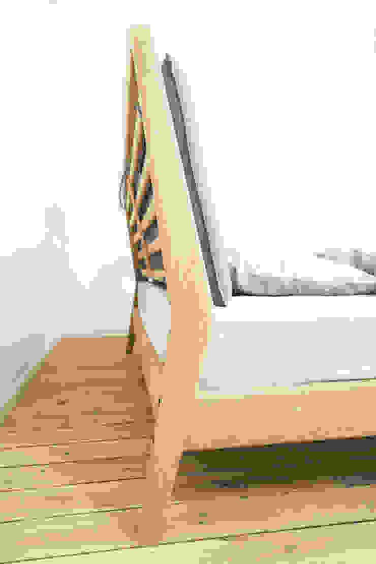 B1 Łóżko od Loft Kolasiński Skandynawski Lite drewno Wielokolorowy