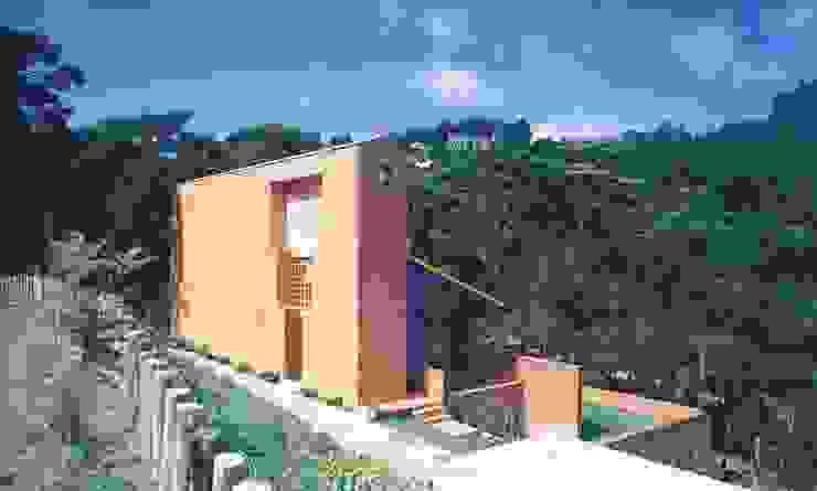 Vista do Estacionamento - Antes da reforma por Carlos Bratke Arquiteto