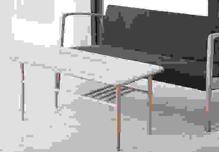 T1 Stolik kawowy od Loft Kolasiński Skandynawski Lite drewno Wielokolorowy