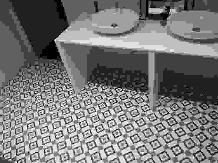 Den Ouden Tegel Country style bathroom Tiles