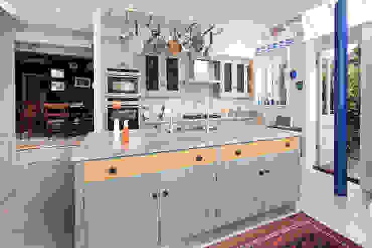 Mediterranean Style Mediterranean style kitchen by Rencraft Mediterranean Wood Wood effect