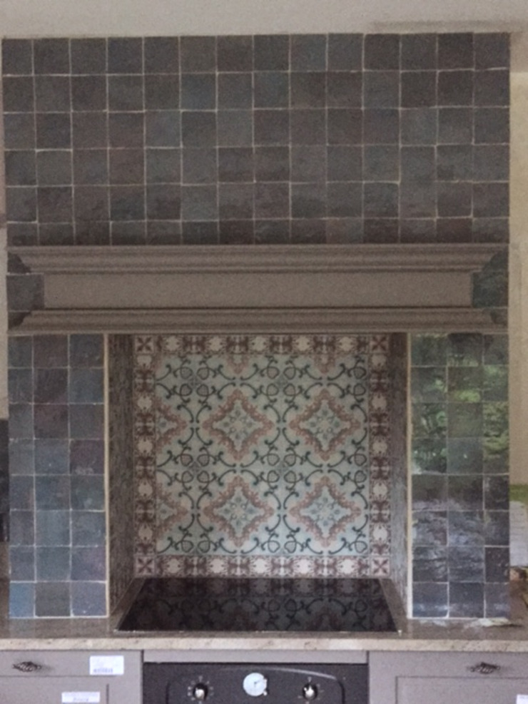 Den Ouden Tegel Mediterranean style kitchen Tiles