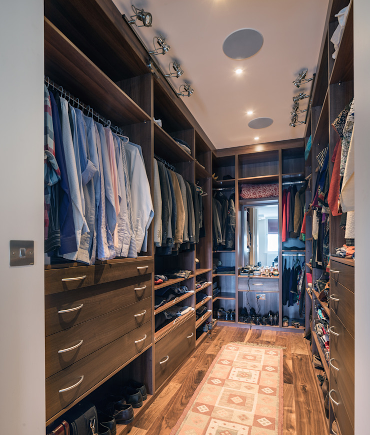St. Mary Abbots Modern dressing room by Coupdeville Modern