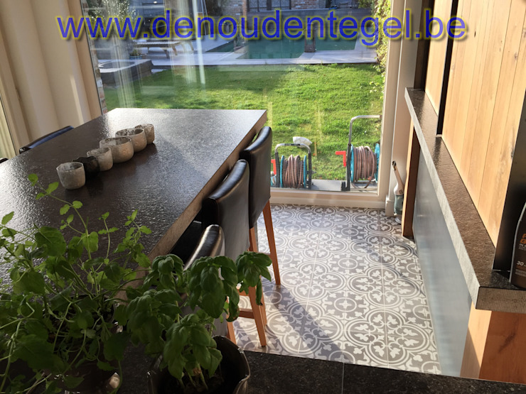 Den Ouden Tegel Country style dining room Tiles