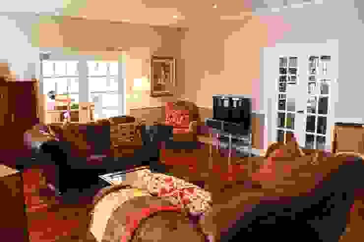 MANSION MINSTER Living Room Klassische Wohnzimmer von THE WHITE HOUSE american dream homes gmbh Klassisch