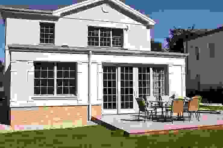 MANSION MINSTER sunroom Klassische Häuser von THE WHITE HOUSE american dream homes gmbh Klassisch