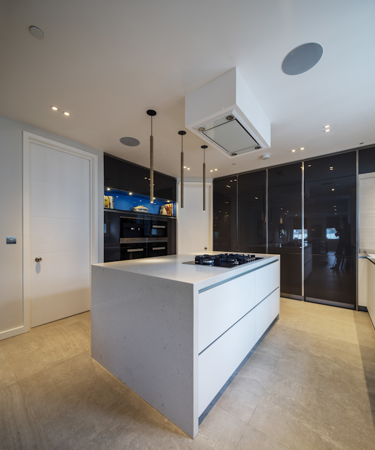 St. Mary Abbots Modern kitchen by Coupdeville Modern