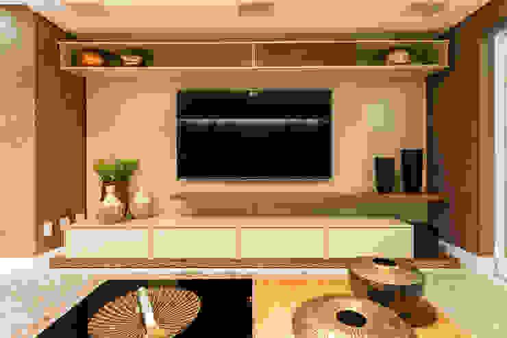 Sala Home Theater Salas de estar modernas por Flaviane Pereira Moderno MDF