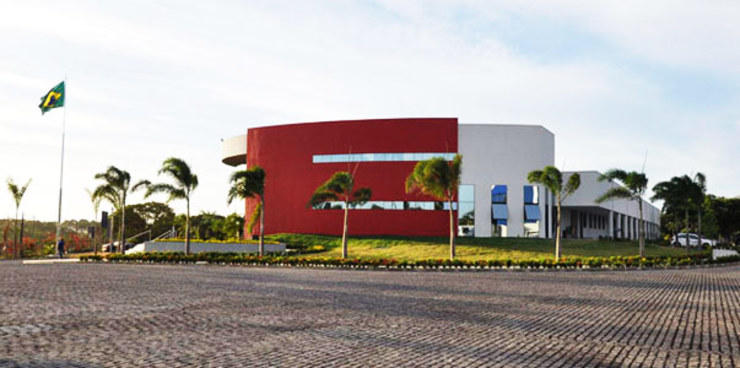 by Aurion Arquitetura e Consultoria Ltda Industrial