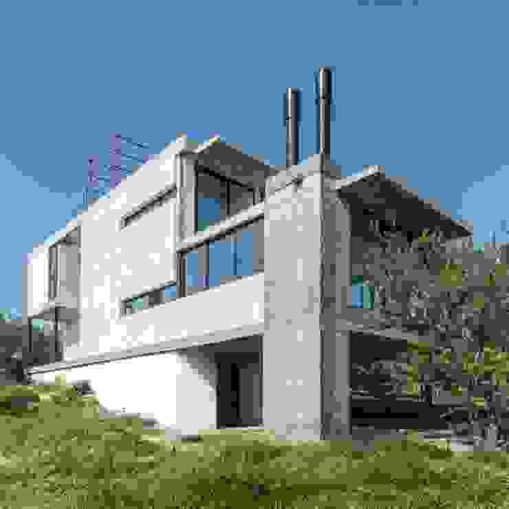 ARP Arquitectos Casas estilo moderno: ideas, arquitectura e imágenes