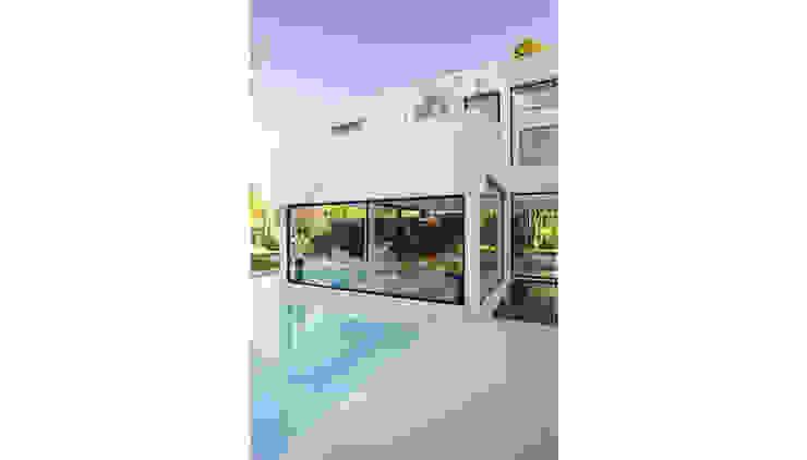 CASA CARRARA Casas modernas: Ideas, imágenes y decoración de Remy Arquitectos Moderno
