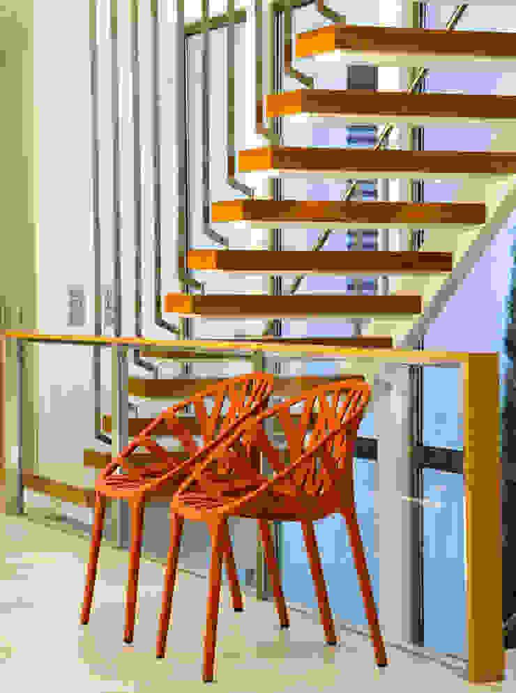 Moradia de férias M+PR Corredores, halls e escadas modernos por Space Invaders _ Arquitectura e Design Moderno