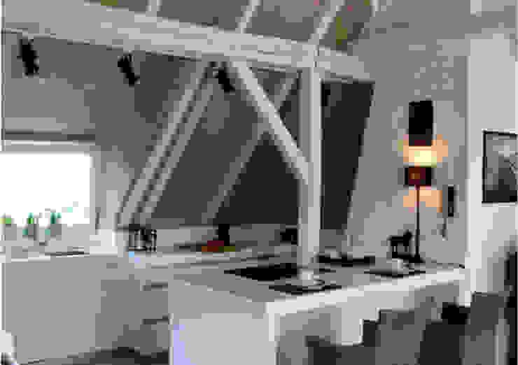 DOM 2 Eklektyczna kuchnia od 2kul INTERIOR DESIGN Eklektyczny Cegły
