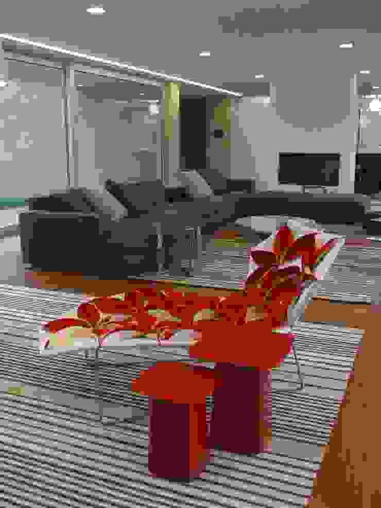 Moradia A+LO Salas de estar modernas por Space Invaders _ Arquitectura e Design Moderno