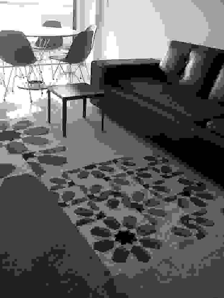 Apartamento de férias EN Salas de estar modernas por Space Invaders _ Arquitectura e Design Moderno