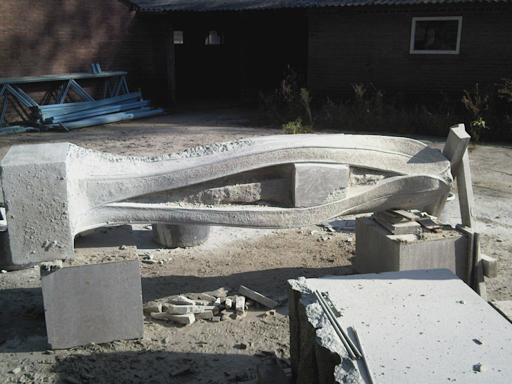 Beeldhouwerij van Velzen Granite