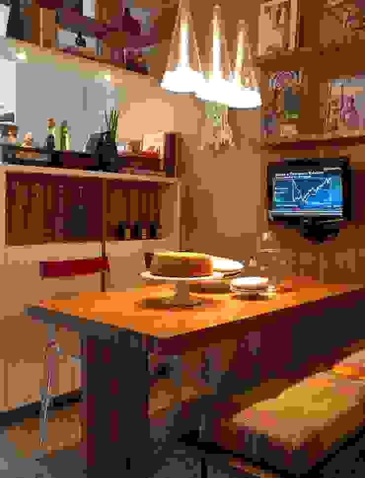 residência JAC Cozinhas modernas por Studio Marcio Michaluá Moderno