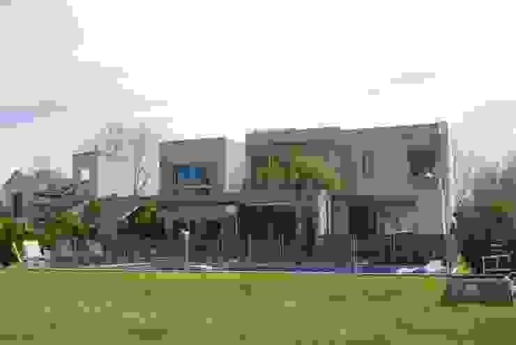 Taman Modern Oleh cm espacio & arquitectura srl Modern