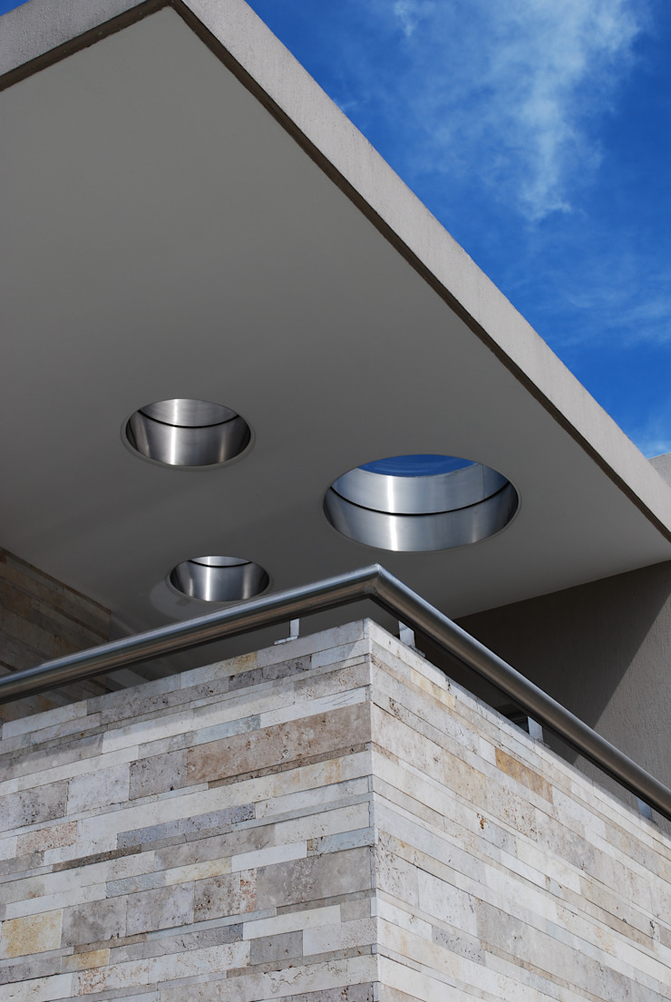 Balkon, Beranda & Teras Modern Oleh cm espacio & arquitectura srl Modern