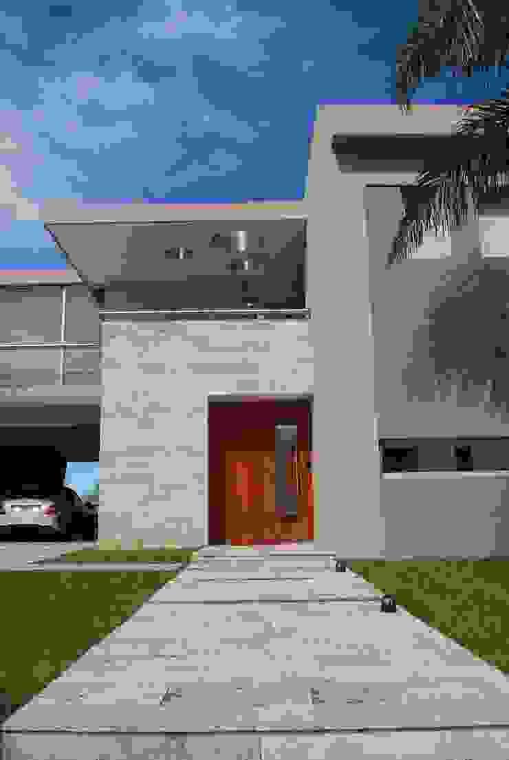 Rumah Modern Oleh cm espacio & arquitectura srl Modern Marmer